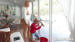A young window purifying fucks a big posterior housewife at her own house