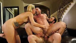 Sophia Grace shares a cumshot with a guy in a bisexual foursome
