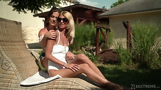 Experienced lesbian Missy Luv gives a good cunnilingus to sex-appeal girlfriend