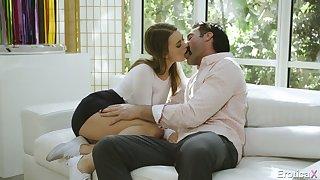 After kissing stud slutty Jill Kassidy spreads trotters wishing involving enjoy cuni