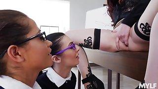 Hot MILF teaches Marley Brinx & Avi Love making lesbian love