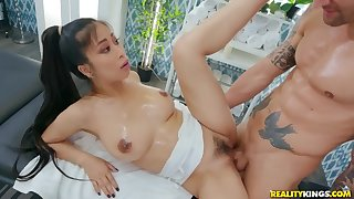 Lucky masseur Alex Legend fucked Drill Kush in the sky the couch